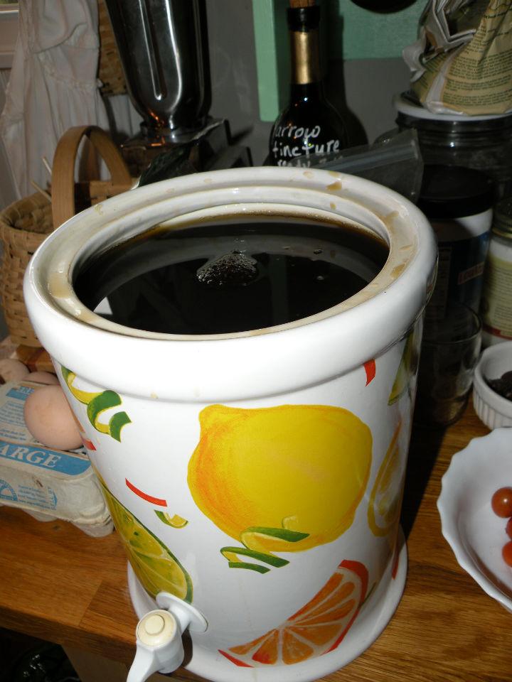 Making Black Walnut Tincture(green) | juswingit